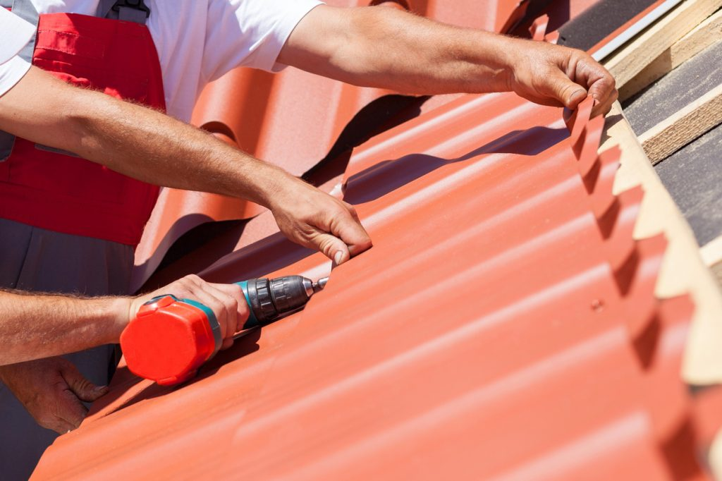 Metal Roofs Vs. Asphalt Shingles | Roofing Norwalk | Darien
