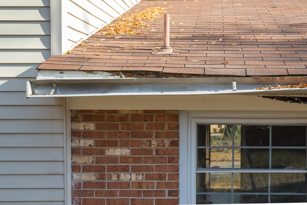 10 Signs It's Time to Replace Your Gutters